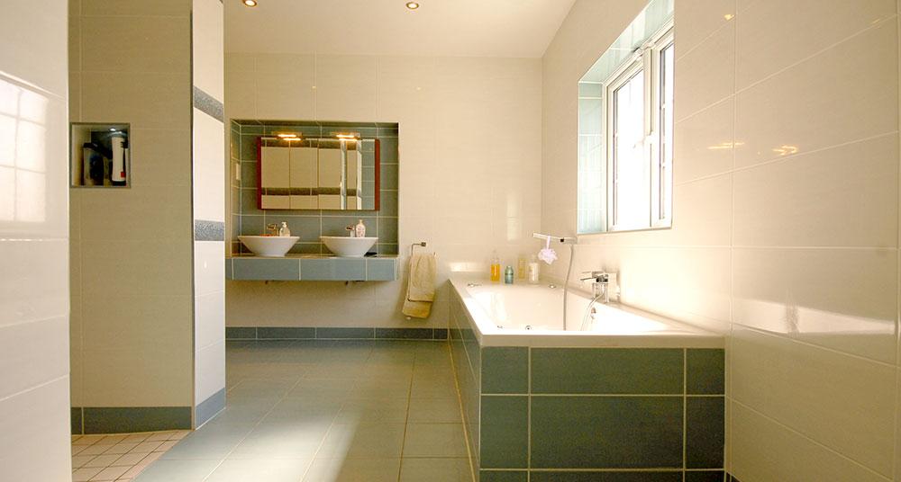 bathroom-tiling-003