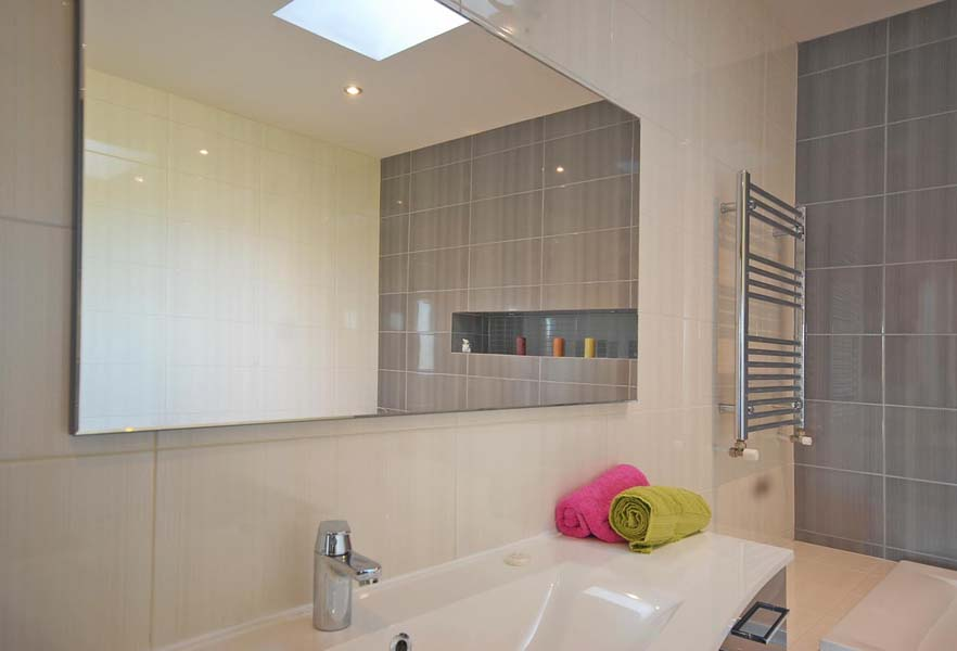 Vitra Cinder/Cinder 25x50 Glazed Bathroom Wall Tiles