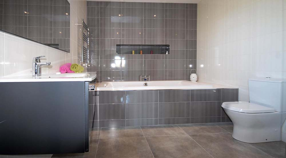 Bathroom Wall Tiling Dark Grey White Glazed Tiles